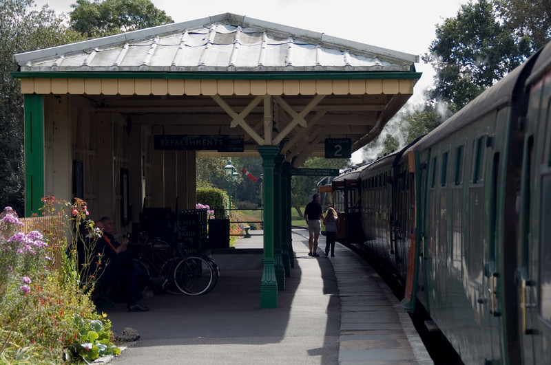 Kingscote Station, 16 September 2007 3.    Platform 2, with 34028 on the 1355 to Sheffield Park.