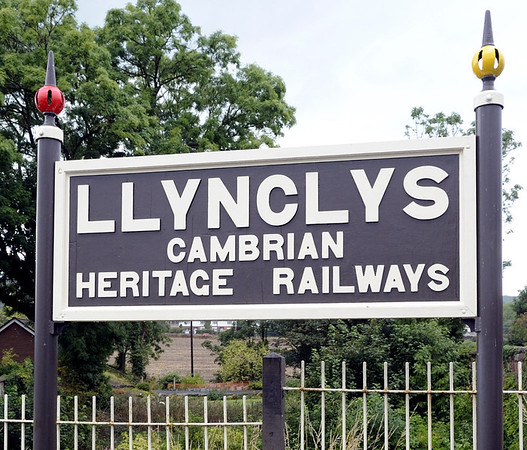 Llynclys, Fri 26 August 2011 1.  The Cambrian Heritage have a base south of Oswestry at Llynclys, on the Cambrian's former main line to Welshpool.  At present it is not connected to the Oswestry - Blodwell line.