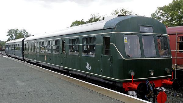 W51187 & W51512, Llynclys, Fri 26 August 2011.