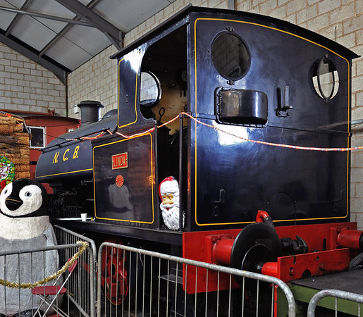Linda, Brownhills West, Sat 15 December 2012.  Bagnall 0-4-0ST 2648 / 1941.    Just visible beyond it is Bass No 5, Baguley 0-4-0DM 3027 / 1939.