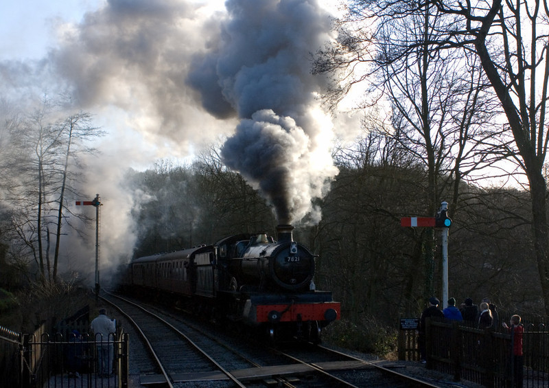 7821 Ditcheat Manor arrives at Consall from Kingsley & Froghall on 14 January 2007 - 1424