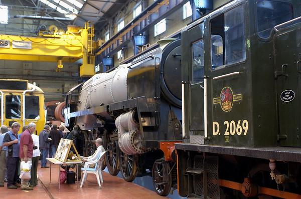 92134 & D2069 (03069), Crewe, 10 September 2005