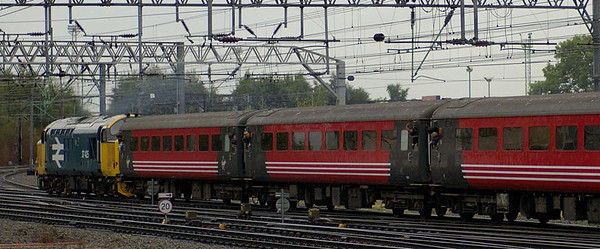 37425, 1Z42, Crewe, 10 September 2005 - 1741 2