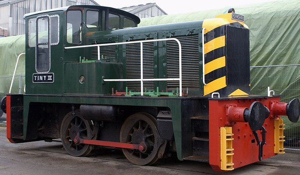 Tiny II, Crewe, 10 September 2005.  Yorkshire Engine Co 0-4-0DH 2676 / 1959.