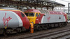 57315 The Mole & 390050 Virgin Invader, Crewe, 10 September 2005 1 - 1642,  Uncoupling a drag from Holyhead(?)