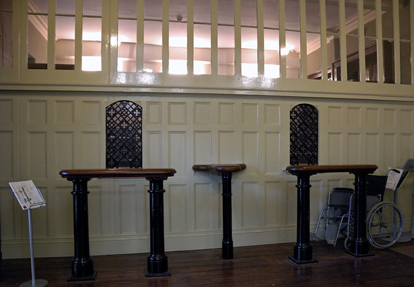 Booking hall, Darlington North Road, 15 November 2009