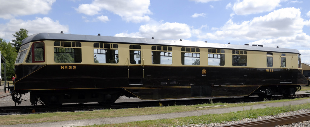 No 22, Didcot, Sat 24 July 2010      Diesel-mechanical railcar built by AEC in 1949.
