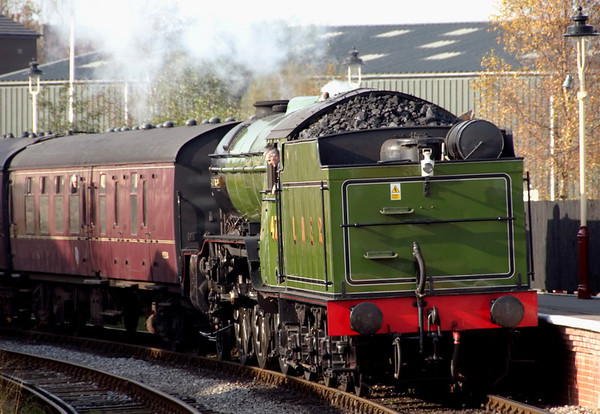 4771 Green Arrow, Heywood, 4 November 2007 1 - 1226    Arriving with the 1130 from Rawtenstall.