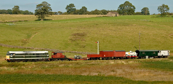 D5600 (31435), Holywell, 20 September 2008 - 1550    The 31 sets off for Embsay with the demonstration goods.