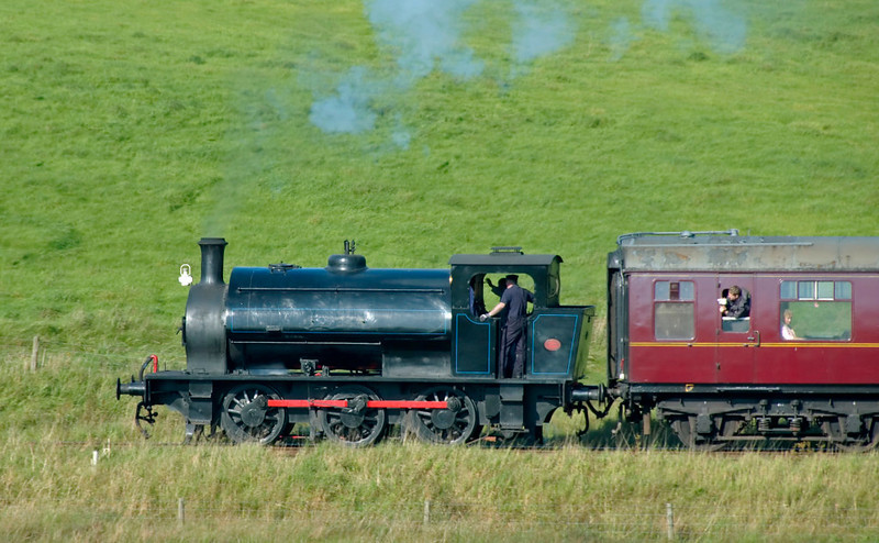 Darfield No 1, Holywell, 20 September 2008 - 1519 2    Darfield (Hunslet 3783 / 1953) used to be an Embsay engine, but now lives at Llangollen.