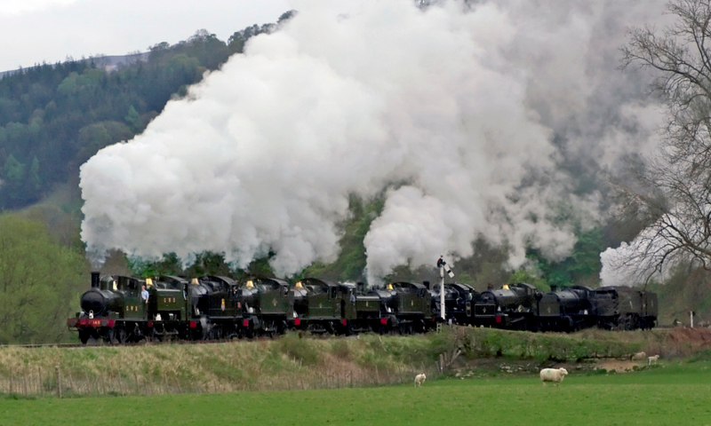 1450, 9466, 5224, 4160, 5643, 6430, 5199, 78019, 7822 Foxcote Manor, 3802 & 34081 92 Squadron, Carrog, 22 April 2007.  This amazing 11 loco cavalcade made two runpasts at Carrog to close the highly successful 'Steel, steam and stars' gala.  Remarkably, every loco in the spectacle except 1450 and 6430 is a former Barry wreck.