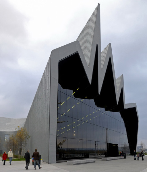 Welcome to Riverside Museum of Transport & Travel, Glasgow!  Sat 19 November 2011.   This purpose-built museum opened in 2011 at a cost of no less than £74million!!  It has replaced the old transport museum at Kelvin Hall, and stands on the site of the former Inglis shipyard.