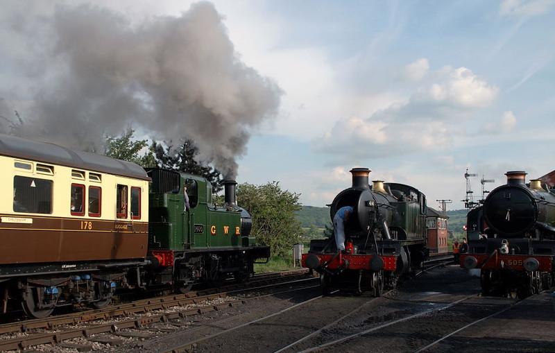 1450, 4141 & 5051 Earl Bathurst, Toddington, 31 May 2006