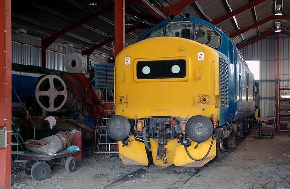 37215 (D6915), Toddington, 31 May 2006