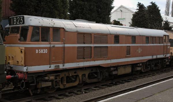 D5830 (31297, 31463, 31563), Loughborough, 30 January 2005