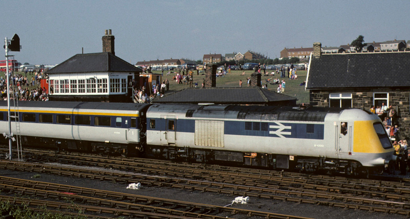 252001, Shildon cavalcade, 31 August 1975.  The cavalcade ended with the prototype of BR's enormously successful High Speed Train.  252001 was built in 1972 and withdrawn in 1976 when production HSTs began to enter service.  The power car seen here is W 43001, originally 41002.  It ended its days as test vehicle ADB 975813, and was scrapped in 1990.  Photo by Les Tindall.