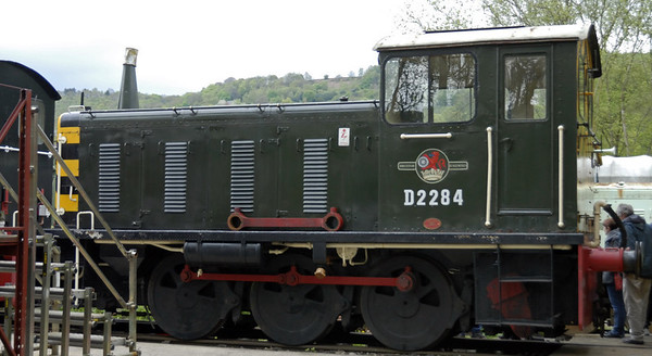 Class 04 D2284,  Rowsley South, Sun 9 May 2010