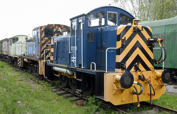 07013, class 03 D2118 & class 04 D2324, Rowsley South, Sun  9 May 2010