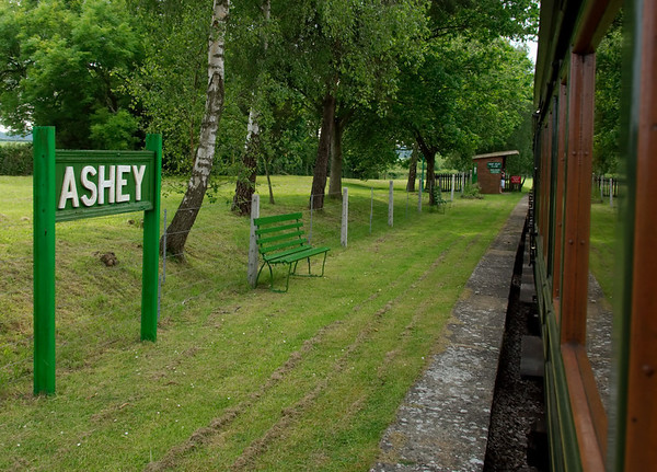 Ashey, 31 May 2008.    Passing the halt, between Havenstreet and Smallbrook Junction.