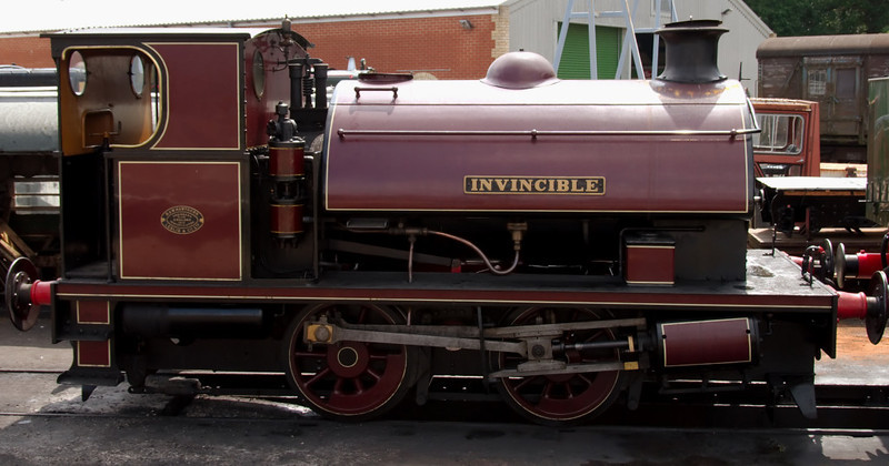 W37 Invincible, Havenstreet, 31 May 2008.    Hawthorn Leslie 3135 / 1915, built for the Royal Arsenal at Woolwich.  Invincible had reached the Island by 1971.  It is seen in the livery of the Woolwich Arsenal Rly.