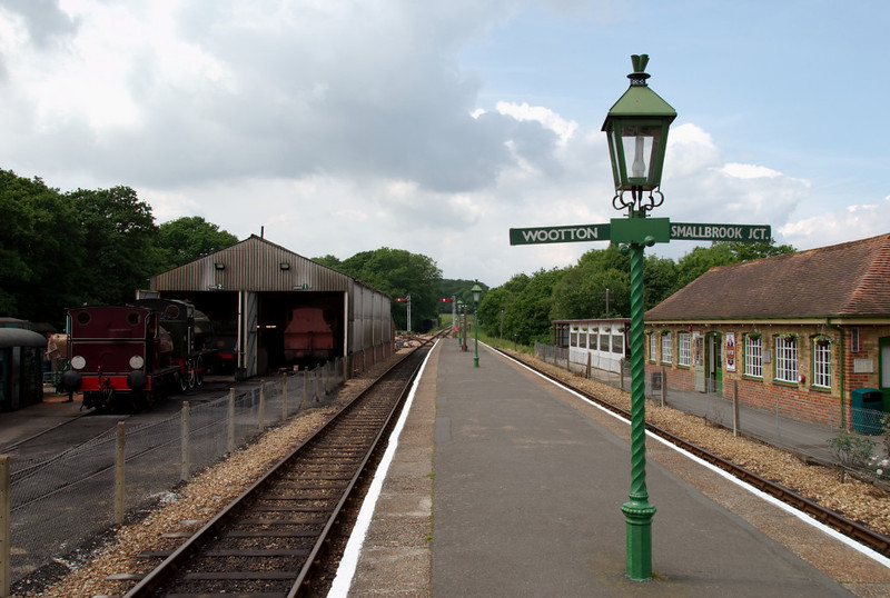 Havenstreet Station, 31 May 2008 2: Looking west towards Wootton, with the engine shed at left.