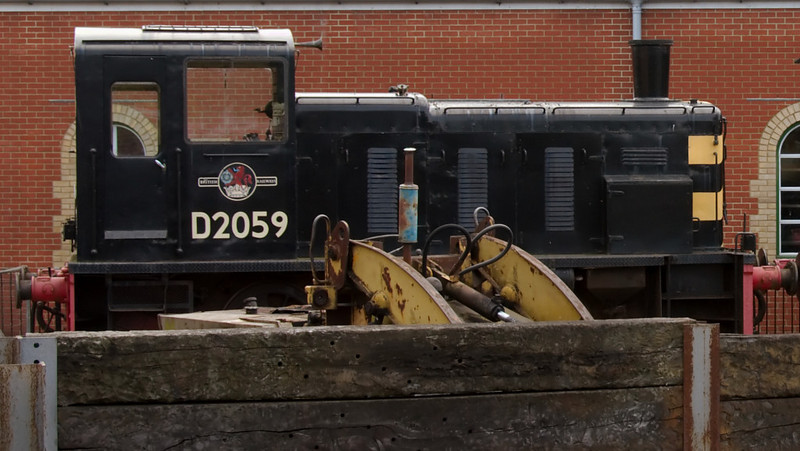 D2059, Havenstreet, 31 May 2008.    Class 03 shunter built at Doncaster in 1959.  It came to the Island in 1988.  The IWSR also has Hunslet D2554, but I could not photograph it.
