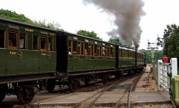 Army 192, Waggoner, Havenstreet, 31 May 2008 - 1452 2.    The train included four 4-wheelers, 6336 (NLR, 1864), 2515 (LCDR, 1894), and push-pull set 484, formed of 6369 (LCDR, 1887) & 4112 (LCDR 1898).