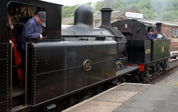 Taff Vale No 85 & 47279, Keighley, Sat 20 May 2006 - 1551