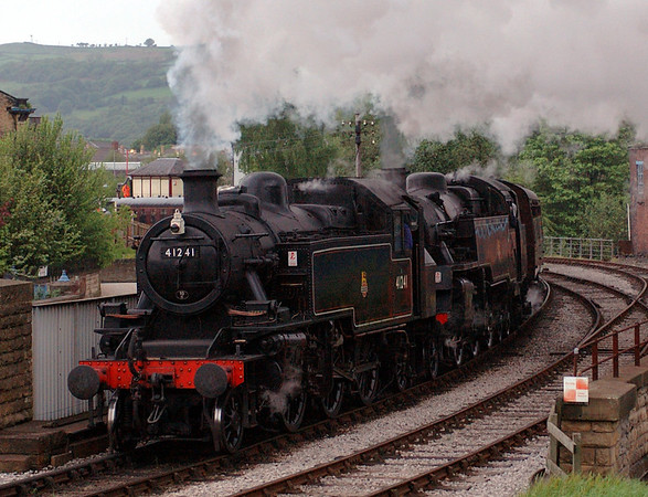 41241 & 80002, Keighley, Sat 20 May 2006 2 - 1811