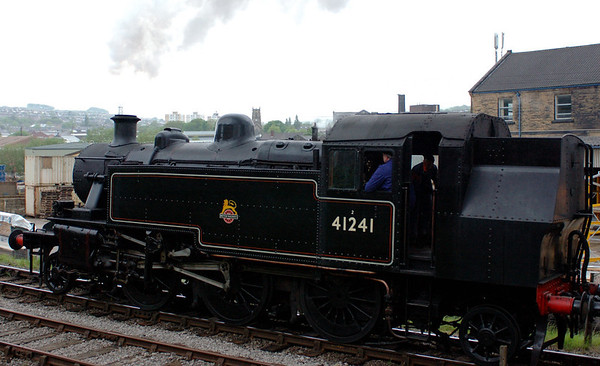 41241 & 80002, Keighley, Sat 20 May 2006 4 - 1811