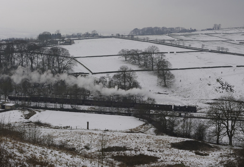 43924, leaving Oxenhope, Fri 10 January 2012 - 1249.