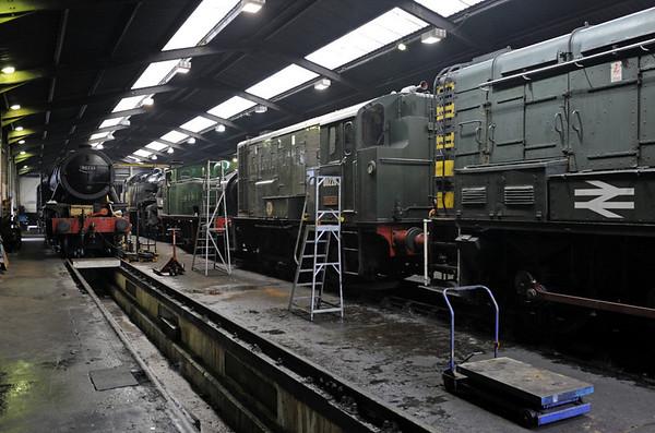 '90733', 80002, Nunlow, D0226 Vulcan & 08226, Haworth, Fri 10 February 2012.