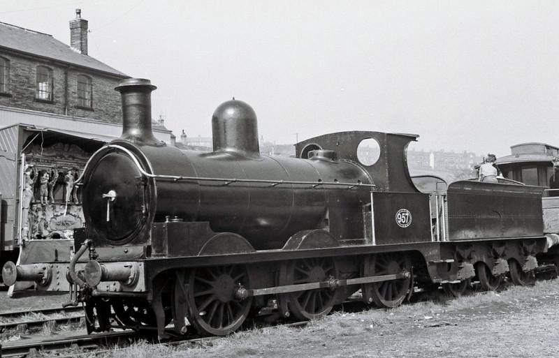 L & Y 957 (BR 52044), Haworth, Sun 16 April 1967