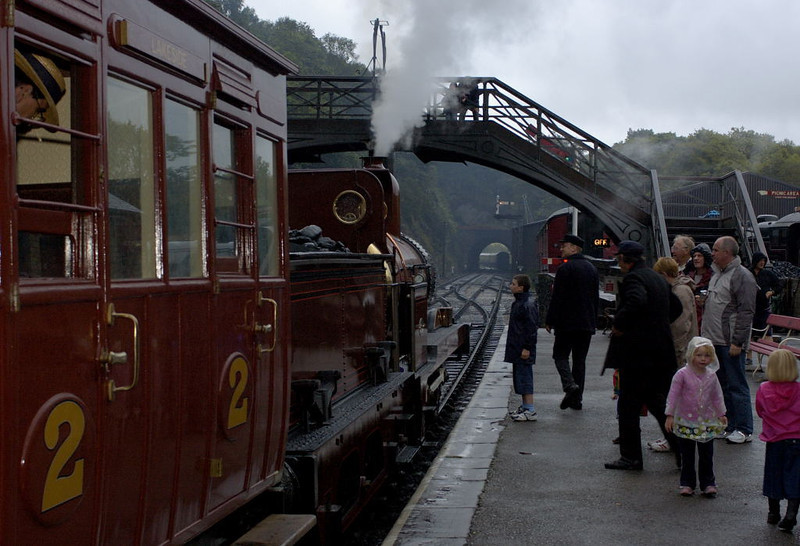 Furness Rly No 20, Haverthwaite, Tues 23 August 2005 4 - 1845. Awaiting departure to Lakeside..