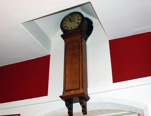 Refreshment room clock, Haverthwaite, Sun 21 May 2006