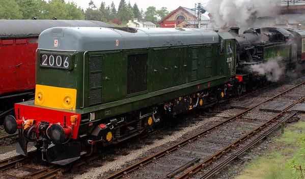 20214 (D8314) & 42073, Haverthwaite, Sun 21 May 2006 2