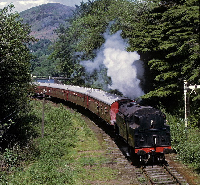 2073, leaving Lakeside, 9 June 1973.  Photo by Les Tindall.