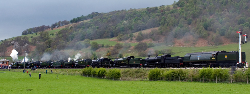 1450, 9466, 5224, 4160, 5643, 6430, 5199, 78019, 7822, 3802 & 34081 92 Squadron, Carrog, 22 April 2007 - 1842 3