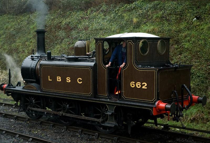 662, Alresford, 4 March 2007 - 1151.  662 backs onto its train.