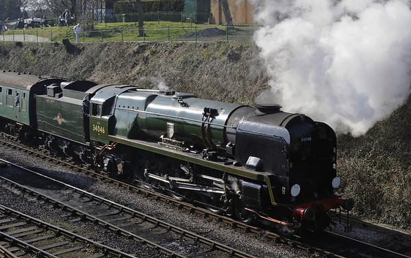 34046 Braunton, Ropley, Sun 9 March 2014 4 - 1432.  Departing with the 1410 Alresford - Alton.