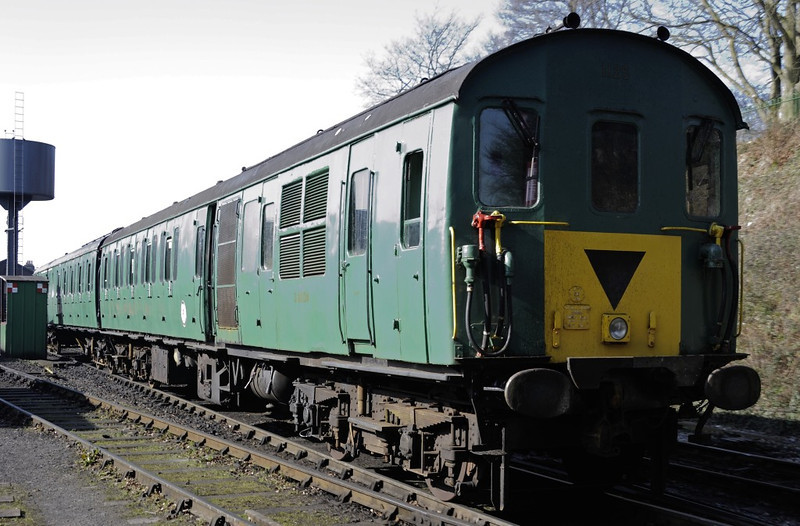 1125, Ropley, Sun 9 March 2014 - 1049.  This 'Hampshire' class 205 DEMU was used on the Alresford - Ropley shuttle, hauled by Metropolitan No 1.  The trailers were 60824 (nearer) and 60124.