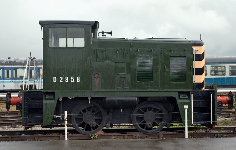 D2858, Swanwick Junction (MRC), 24 June 2007   Yorkshire Engine Co 170hp diesel hydraulic 0-4-0, class 02.