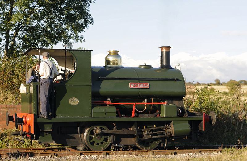 Whitehead, Swanwick Junction, Sun 14 October 2012 - 1612.  The Peckett 0-4-0ST (1163 / 1909) is based at Swanwick.