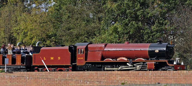 6203 Princess Margaret Rose, Swanwick Junction, Sun 14 October 2012.  Despite appearances, 6203 is a 21in gauge diesel built by Hudswell Clark (D612 / 1938).  Sister 6201 Princess Elizabeth is also at Swanwick.  Both were built for a Butlin's hoiday camp.