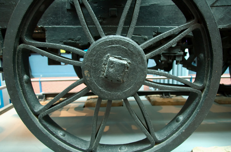 Wylam Dilly, Edinburgh, 3 May 2008 7    Driving wheel.  NB that the spokes are formed of folded iron bars.