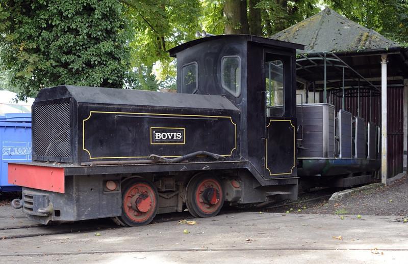 Bovis, Bressingham, Sun 1 September 2013.  Hunslet battery loco 9155 / 1991, 1ft 11in gauge.