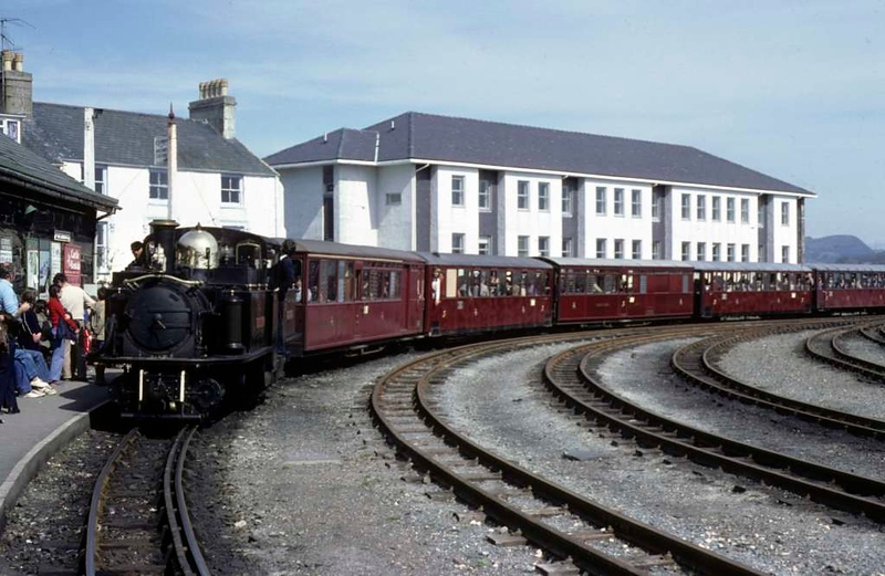 Merddin Emrys, Porthmadog, April 1981 1.  Arriving with a Saturday afternoon train,  Photo by Les Tindall.