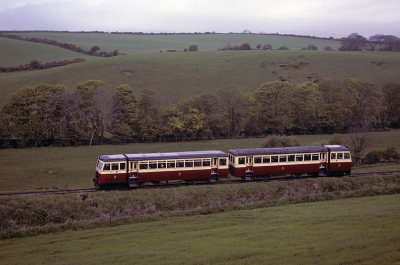 County Donegal railcars, Nunnery bank, 28 May 1979.  Photo by Les Tindall.