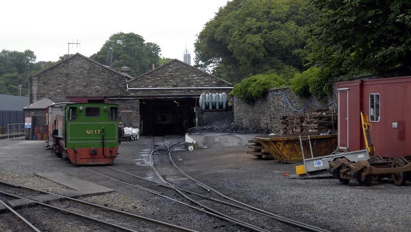 Douglas shed and works, Fri 30 July 2010