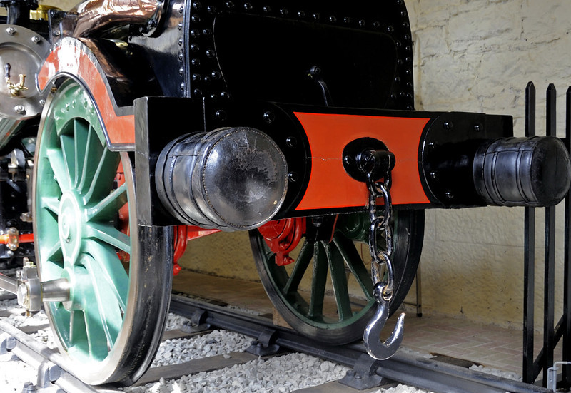 Fire Queen, Penrhyn Castle, Mon 22 August 2011 5.  NB the eccentrics on the leading axle and the leather-covered buffers.